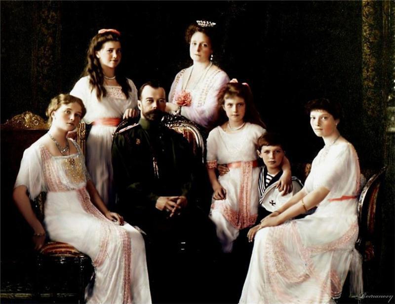 Семье на примере святой царской семьи