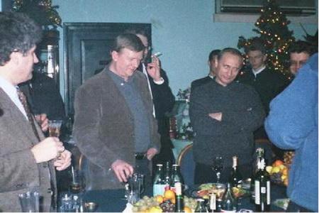 Рыжий толик и его друг сексопатолог гозман неугомонно пилят  Роснано