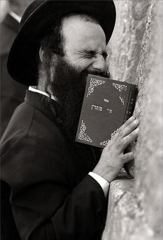 Католики правят библию в угоду толерантным веяниям. Иудеи довольны