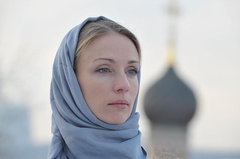 Женщина дана мужчине для спасения. Художник Павел Рыженко