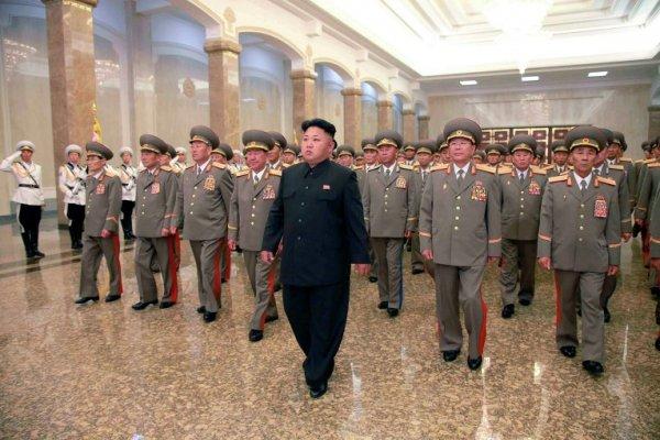 Грядёт война: Пхеньян эвакуирует 600 000 человек
